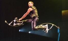 """Cirque Eloize šou """"Cirkopolis"""" Lietuvoje"""