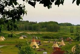 """""""Vinetu Kaimas"""" Indėnų stovykla"""