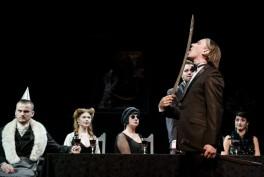 Muzikinė komedija - Angliškas detektyvas