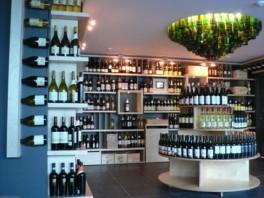 Firminė MV gėrimų parduotuvės Vilniuje